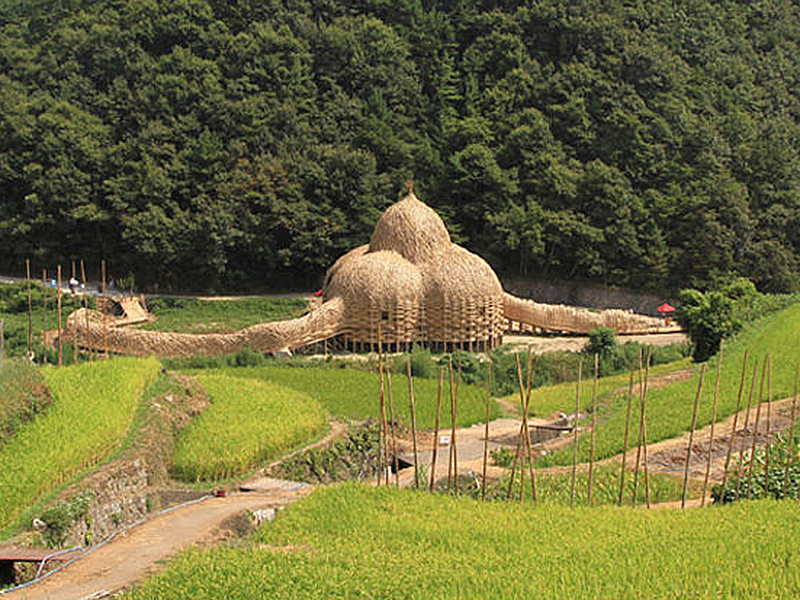 ワン・ウェンチー作「小豆島の家」瀬戸内国際芸術祭2010